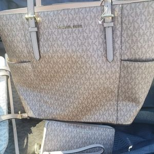 Micheal Kors tote bag & wallet